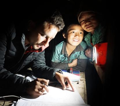 Hilfsprojekt Nepal: Solarlampe