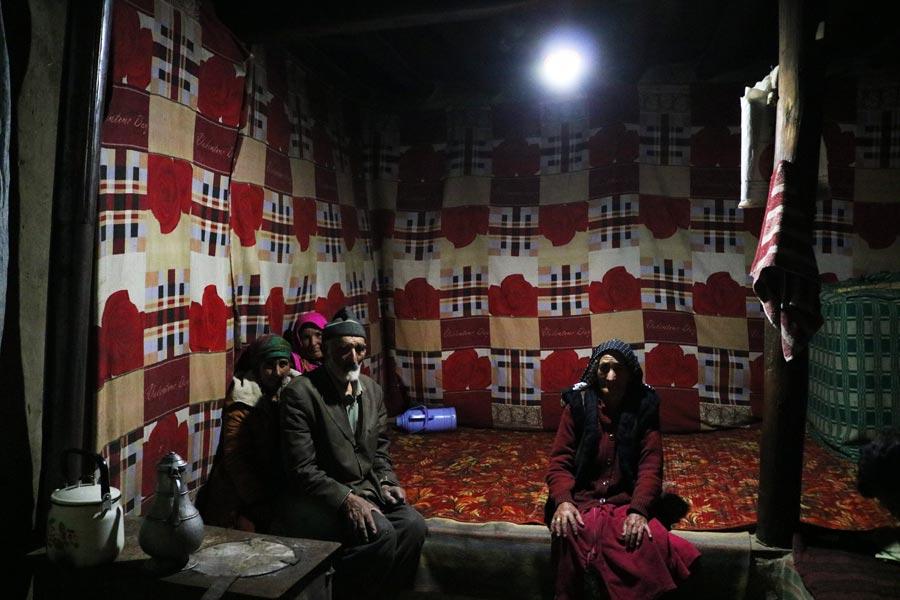 nisur-village-bartang-valley-solar