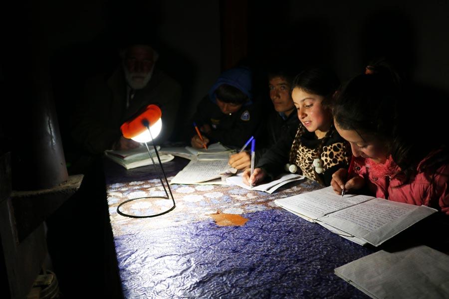 solarleuchten-nisur-bartang-projekt